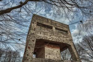 Fliergerhorst oude gebouwen Venlose Groote Heide ,Klimtoren